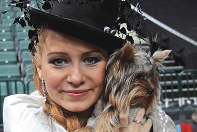 Город покорили собаки и богини (Санкт-Петербург)