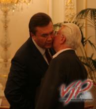 Янукович поблагодарил Кравчука за его любовь к собакам (Украина)