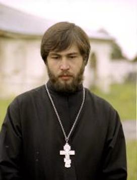 В Костроме похоронят священника, погибшего под поездом из-за собаки (Сочи)