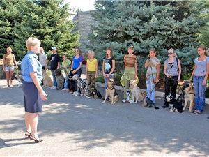 Девчонки воспитывают собак лучше, чем мальчишки (Днепропетровск, Украина)