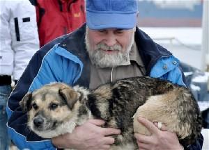Спасенный пес будет жить на исследовательском судне