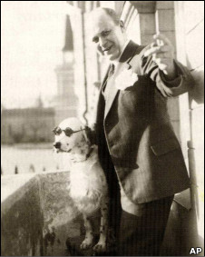 """Пес, """"кидавший зиги"""", раздражал нацистскую Германию"""