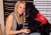 Специально обученная собака изменила жизнь молодой девушки
