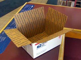 В США на почте обнаружили запечатанную посылку с щенком пуделя