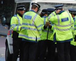 Полицейские разбили автомобиль ради спасения собаки (Великобритания)