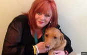 Собака спасла свою хозяйку от рака груди (Великобритания)