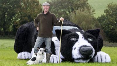 Английский фермер превратил автомобиль в собаку